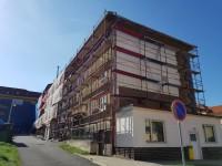 Revitalizace bytového domu, ul. Náměstí Míru, Březová