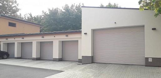 Rekonstrukce a výstavba garáží, ul. Smetanova, Březová